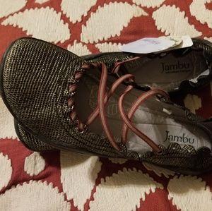 Jambu shoes size 7.